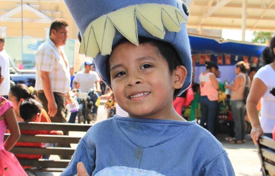 厄瓜多尔签证办理_厄瓜多尔儿童在庆祝节日 – 厄瓜多尔签证–专业移民律师